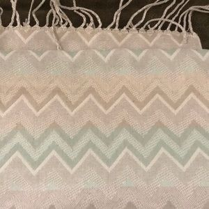 NWOT Chevron Charolette Russe Scarf